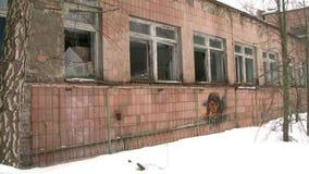 edificio en un pueblo fantasma almacen de metraje de vídeo