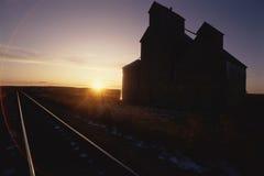 Edificio encendido por el sol fotos de archivo libres de regalías