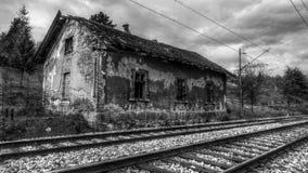 Edificio Estación-abandonado tren viejo Fotografía de archivo