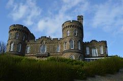Edificio formado castillo en Scarborough, Inglaterra Fotos de archivo