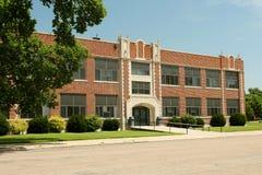 Edificio genérico de la High School secundaria imagen de archivo