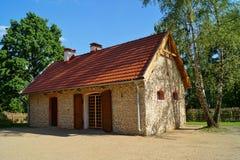 Edificio, granero, museo al aire libre en el pueblo - reconstrucción IXX del siglo Foto de archivo