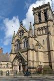 Edificio histórico construido en estilo gótico del renacimiento de la iglesia católica de la iglesia de madre del St Wilfrid aka  fotografía de archivo