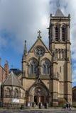 Edificio histórico construido en estilo gótico del renacimiento de la iglesia católica de la iglesia de madre del St Wilfrid aka  foto de archivo
