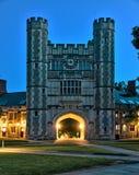 Edificio histórico en campus de Universidad de Princeton Imagen de archivo