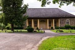 Edificio histórico en día soleado Fotos de archivo