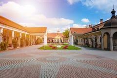 Edificio histórico en la isla del balneario en Piestany ESLOVAQUIA Foto de archivo libre de regalías