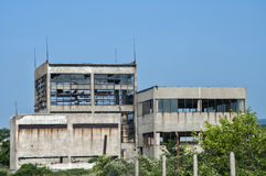 Edificio industrial abandonado Foto de archivo libre de regalías