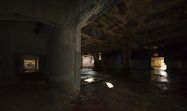 Edificio industrial abandonado Interior arruinado fotografía de archivo