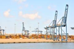 Edificio industrial editorial en el puerto Imagen de archivo libre de regalías