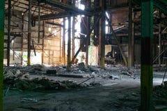 Edificio industrial que desmenuza Foto de archivo