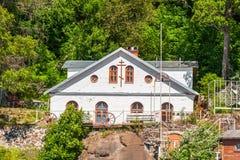 Edificio intaking del agua en la isla de Valaam imagen de archivo libre de regalías