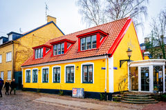 Edificio inusual, colorido en Lund en Suecia Foto de archivo libre de regalías