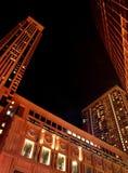 Edificio magnífico en la noche fotografía de archivo