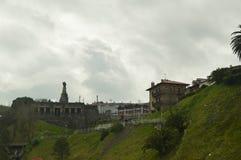 Edificio militar hermoso en la ciudad fortificada de Getaria Viaje de las Edades Medias de la arquitectura Fotografía de archivo libre de regalías