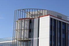 Edificio moderno bajo construcción Imagen de archivo