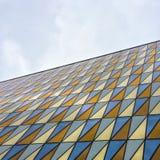 Edificio moderno con las ventanas de cristal coloridas Imagenes de archivo