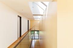 Edificio moderno, interior Imágenes de archivo libres de regalías