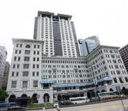 Edificio moderno y alto al lado del camino de Salisbury en Tsim Sha Tsui en la isla de Kowloon en Hong Kong, China fotografía de archivo