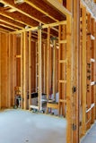 edificio o casa de madera inacabado de marco foto de archivo