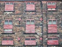 edificio o fábrica comercial abandonado viejo abandonado con el weath Fotografía de archivo