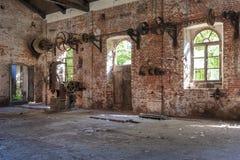 Edificio olvidado del lugar, viejo y abandonado imagenes de archivo