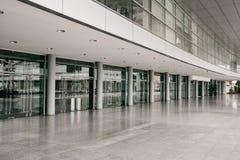 Edificio para las exposiciones y las acciones en Lisboa, Portugal Edificio moderno de la arquitectura para los seminarios o la bi Fotografía de archivo libre de regalías