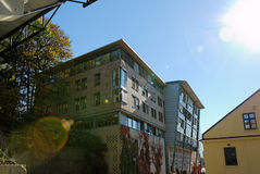 Edificio per uffici & chiarore di Sun Immagine Stock