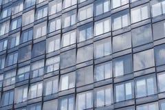Edificio per uffici della facciata/bene immobile commerciale immagini stock
