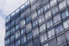 Edificio per uffici della facciata/bene immobile commerciale immagine stock