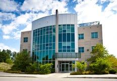 Edificio per uffici di alta tecnologia Immagini Stock Libere da Diritti