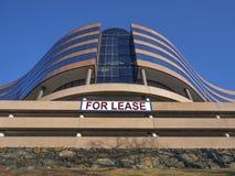 Edificio per uffici moderno per il contratto d'affitto o l'affitto Immagine Stock Libera da Diritti