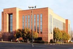 Edificio per uffici suburbano Fotografie Stock Libere da Diritti