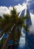 Edificio per uffici urbano moderno Immagini Stock