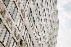 Edificio per uffici Windows Immagini Stock Libere da Diritti