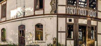 Edificio quemado y abandonado Imagen de archivo