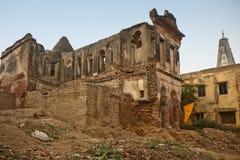 Edificio religioso de los desperdicios viejos Fotos de archivo