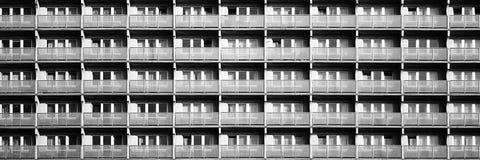 Edificio residenziale nella città fotografie stock