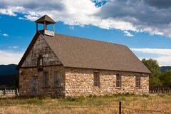 Edificio scolastico di pietra del Colorado Immagini Stock