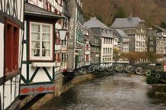 Edificio tradicional Monschau Imagenes de archivo