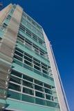 Edificio verde   fotografía de archivo libre de regalías