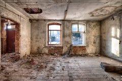 Edificio viejo, abandonado y olvidado Fotos de archivo libres de regalías