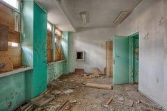 Edificio viejo, abandonado y olvidado Fotografía de archivo libre de regalías