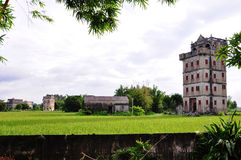 Edificio viejo chino de Kaiping Diaolou de los edificios del turismo Fotos de archivo