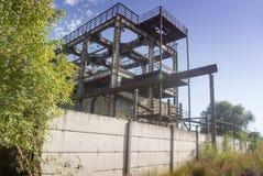 Edificio viejo de la fábrica Imagen de archivo libre de regalías
