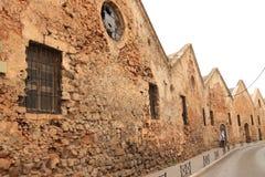 Edificio viejo de la herencia del neoria veneciano en la calle del chania foto de archivo