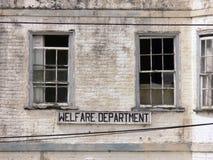 Edificio viejo del bienestar Imágenes de archivo libres de regalías