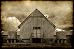 Edificio viejo del granero fotografía de archivo