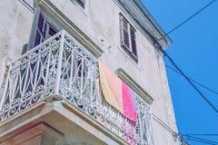 Edificio viejo en la calle, Croacia Foto de 2016 viajes Foto de archivo