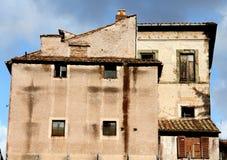 Edificio viejo en Roma Imágenes de archivo libres de regalías
